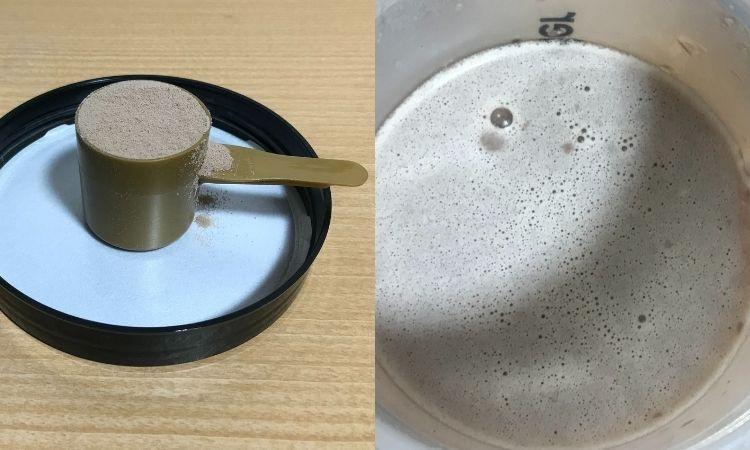 左がGOLDSTANDARD付属のすりきり。右がシェイクした状態。きめ細かい白い泡がたっている。