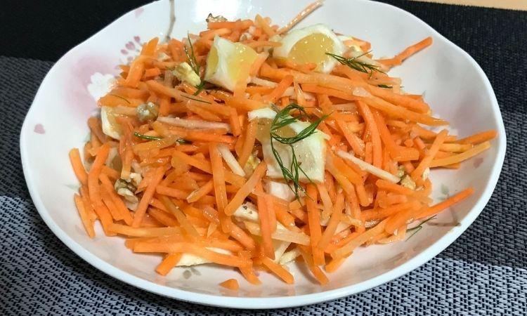 「柑橘香る!ジンジャーキャロットラペ」がお皿に盛られている画像